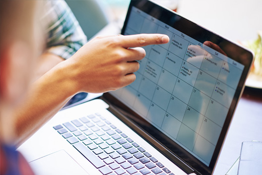 calendar management assistant planning out client's schedule and appointment
